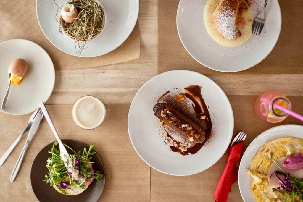 astralon-estrella-thessaloniki-allday-breakfast-table