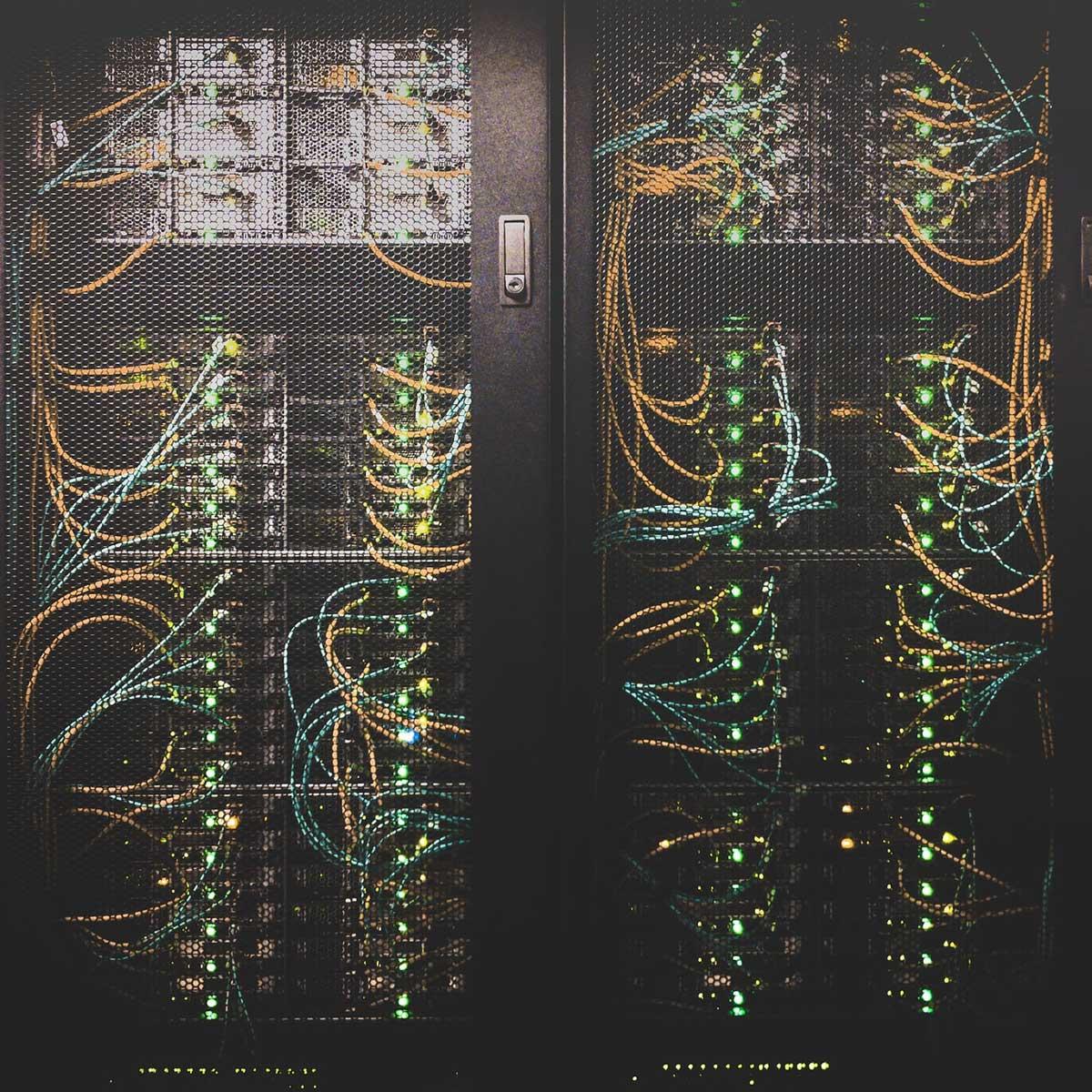 astralon-server-cables