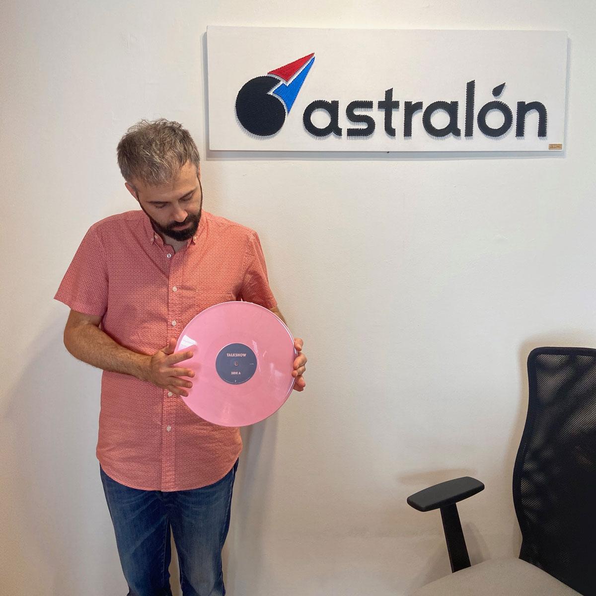astralon-office-kristof-talkshow-vinyl